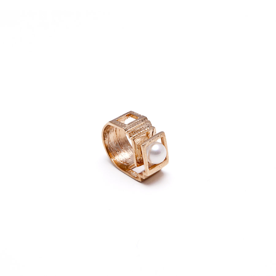 Etienne Gold Ring | Unconventional Pearls Collection by Co.Ro. Jewels