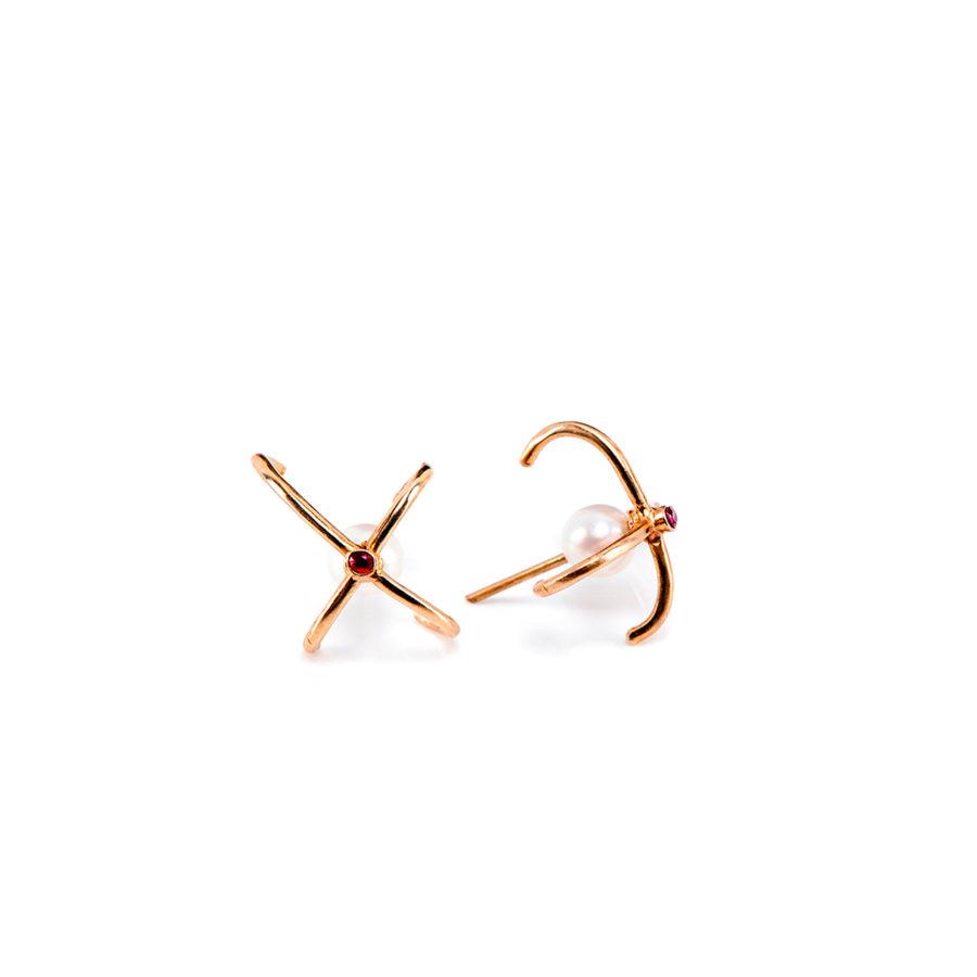 wire-orecchini-dettaglio-oro